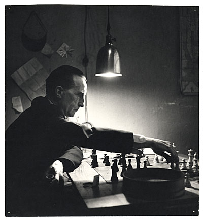 Duchamp plays chess